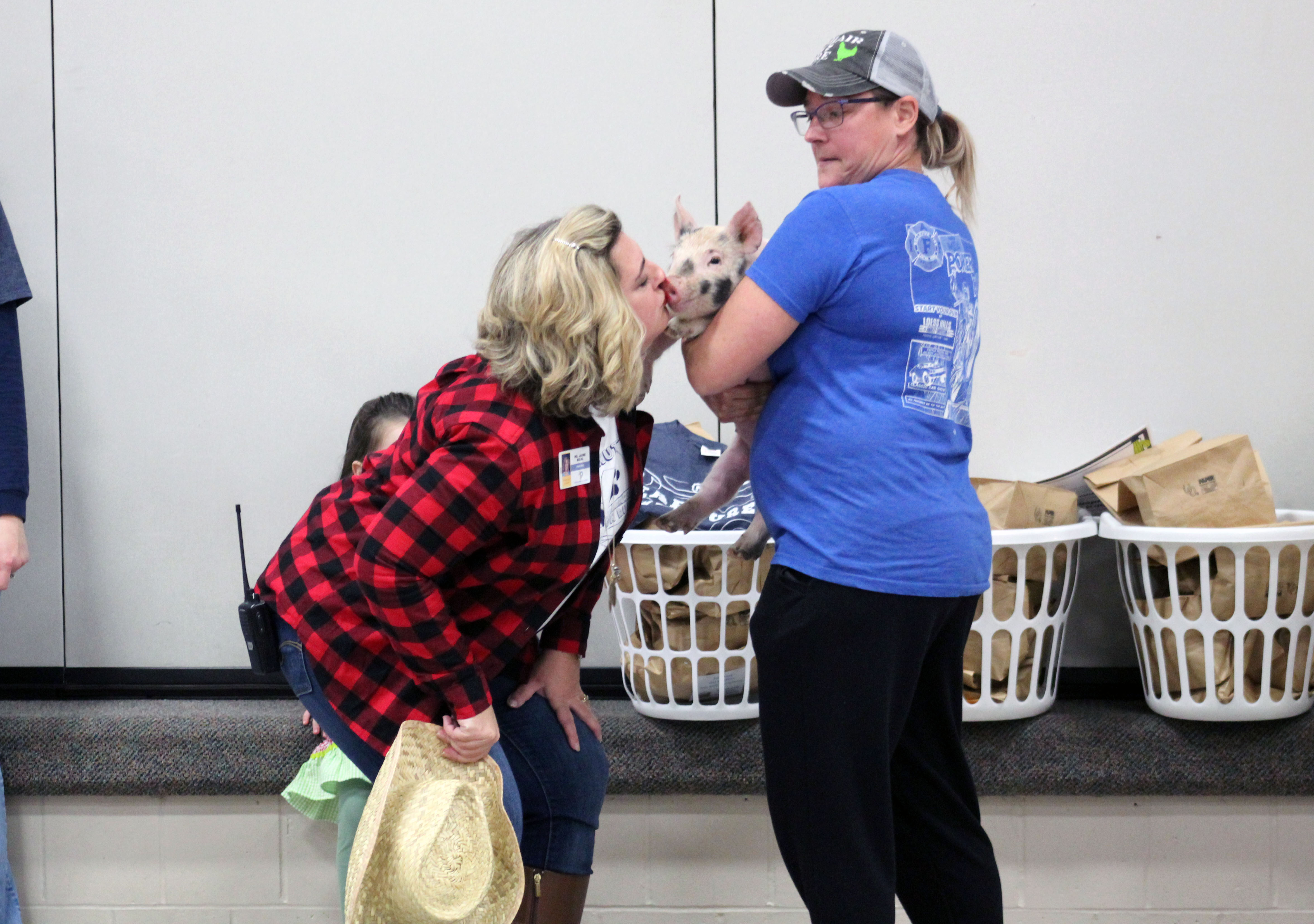 Walnut Creek principal kisses farm animals to celebrate PTO fundraiser completion