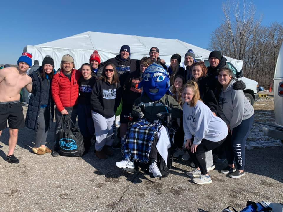 Prairie Queen, PLSHS teams participate in Polar Plunge for good cause