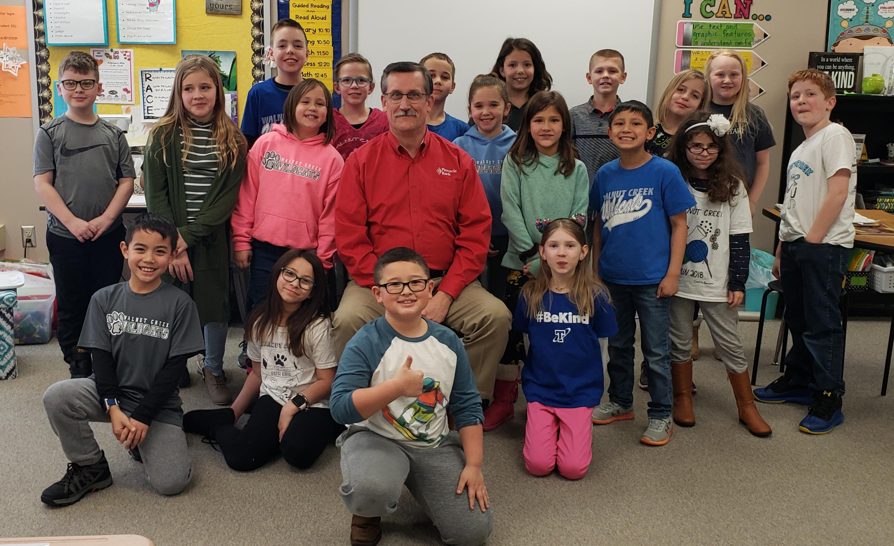 Papillion mayor visits Walnut Creek Elementary classroom