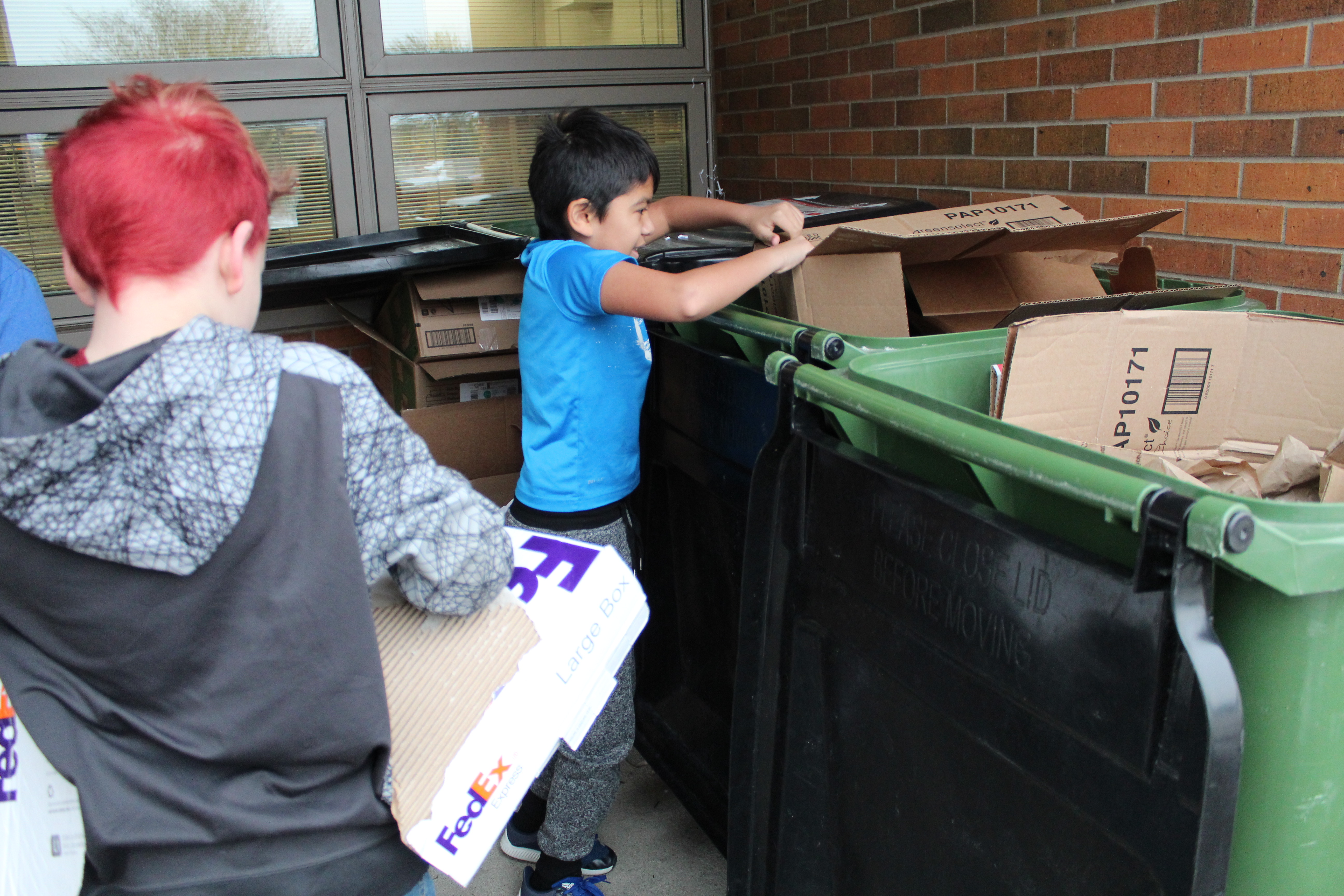Parkview Heights Elementary students take on volunteer jobs to learn responsibility