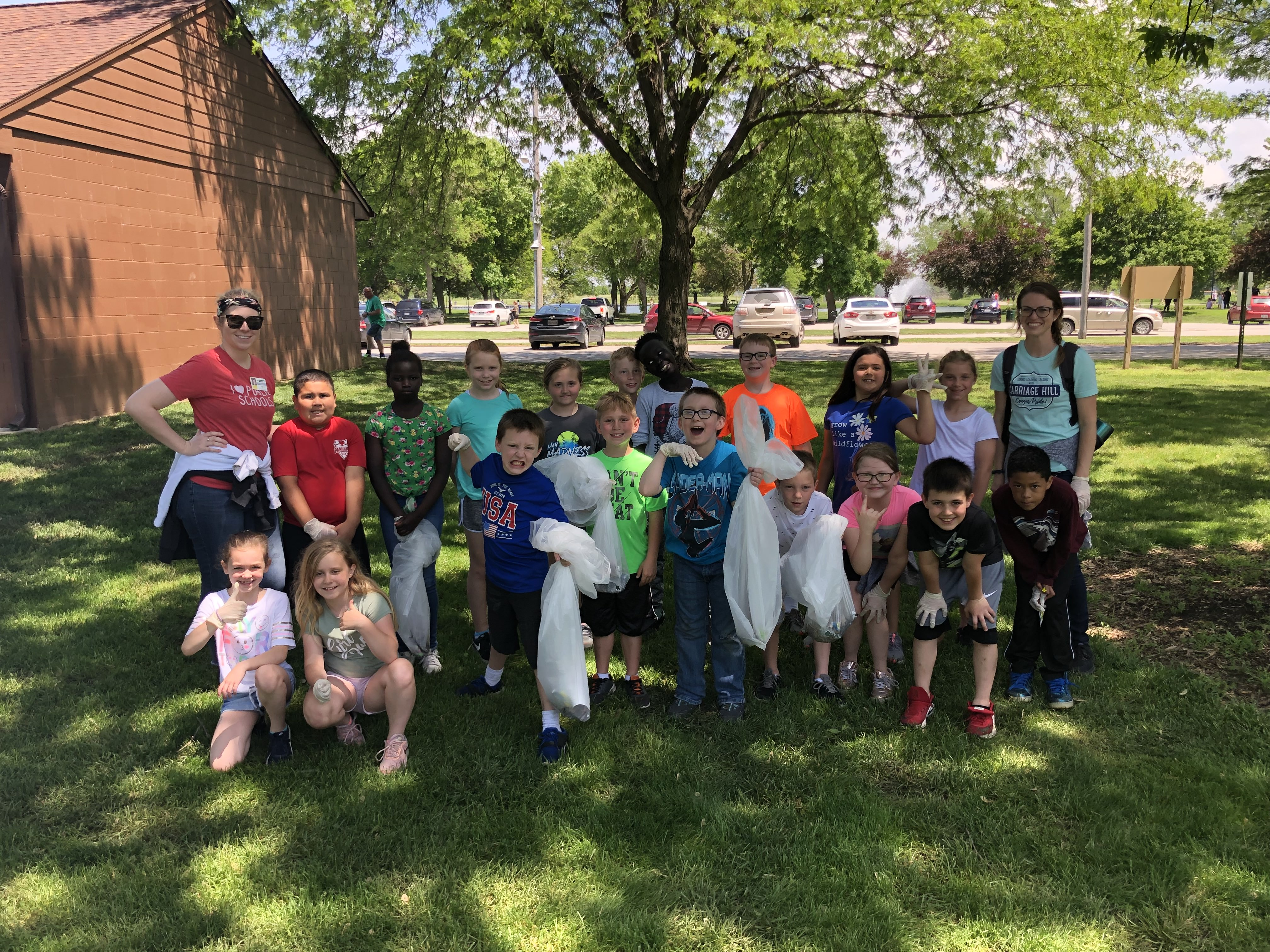 Carriage Hill students pick up litter