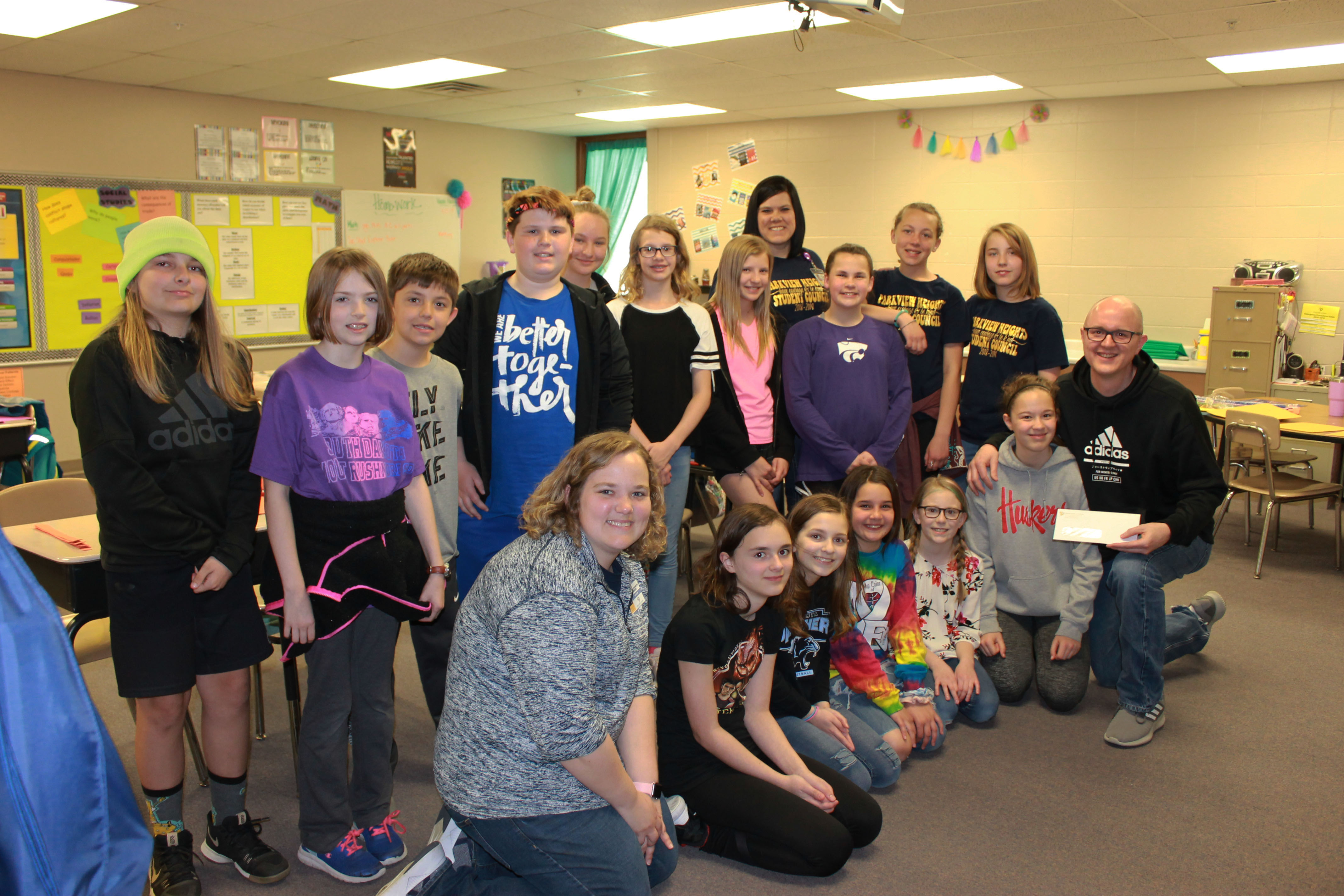 Parkview Heights Elementary student council donates more than $1k through 'April Madness' fundraiser