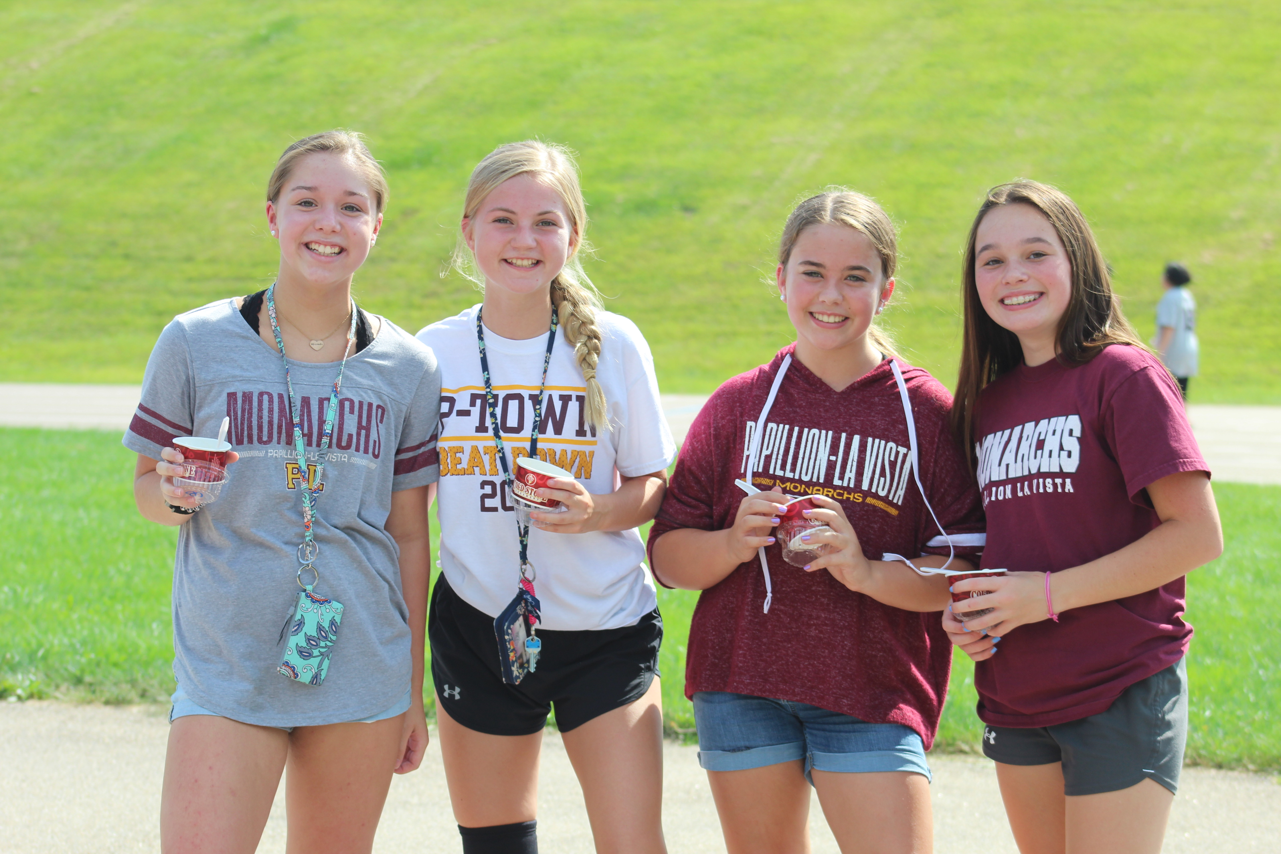 La Vista Middle students enjoy student tailgate